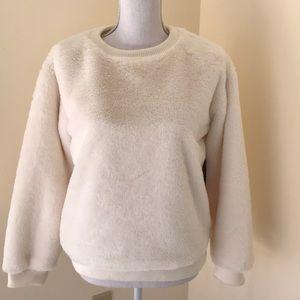 NWT! Vince Camuto medium ivory plush sweatshirt